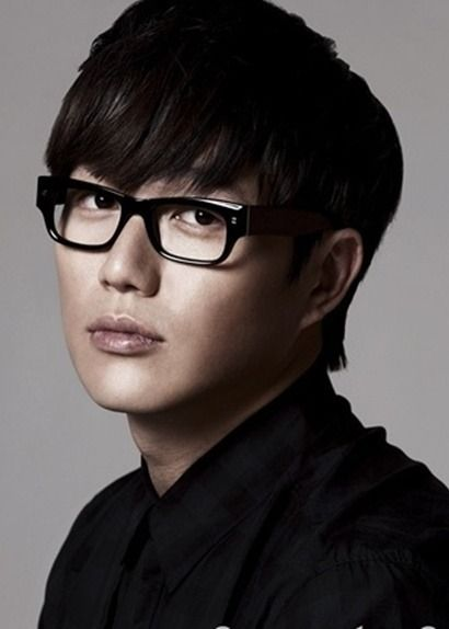 sung si kyung - Love his voice!