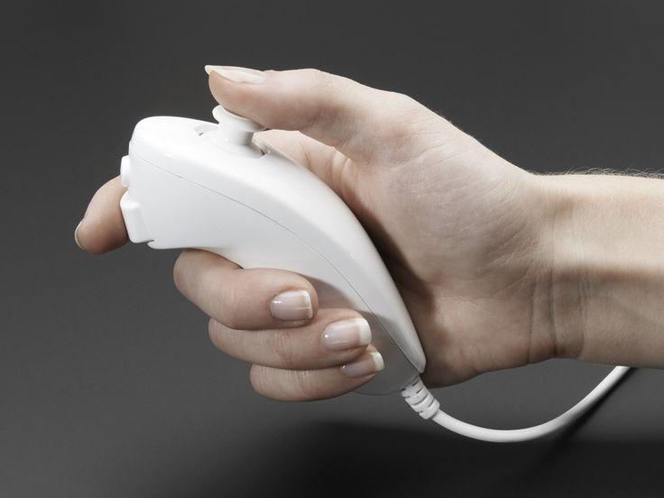 Wii controller (Nunchuck / Wiichuck)