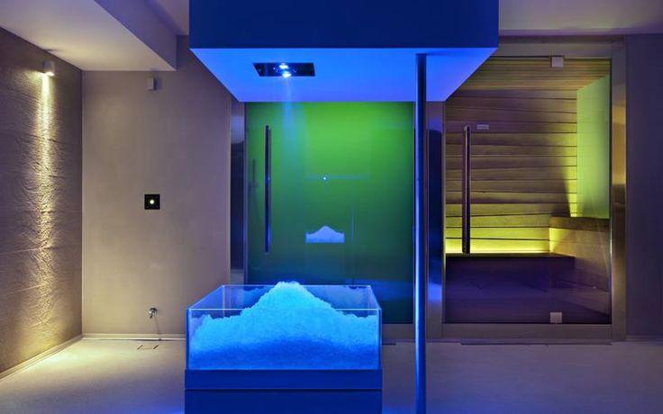 NUOVA SPA HOTEL TERME VENEZIA: cosa troverai? Una cascata di ghiaccio… per ritrovare l'energia! Da brividi! 💙💙 #terme #abanoterme #termevenezia #spa www.termevenezia.it