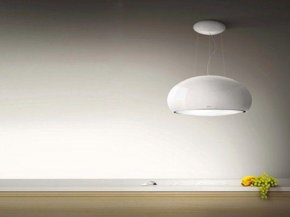Shell-la-cappa-a-sospensione-che-coniuga-design-luce-e-aria arredando-con-eleganza-la-cucina-foto-copertina