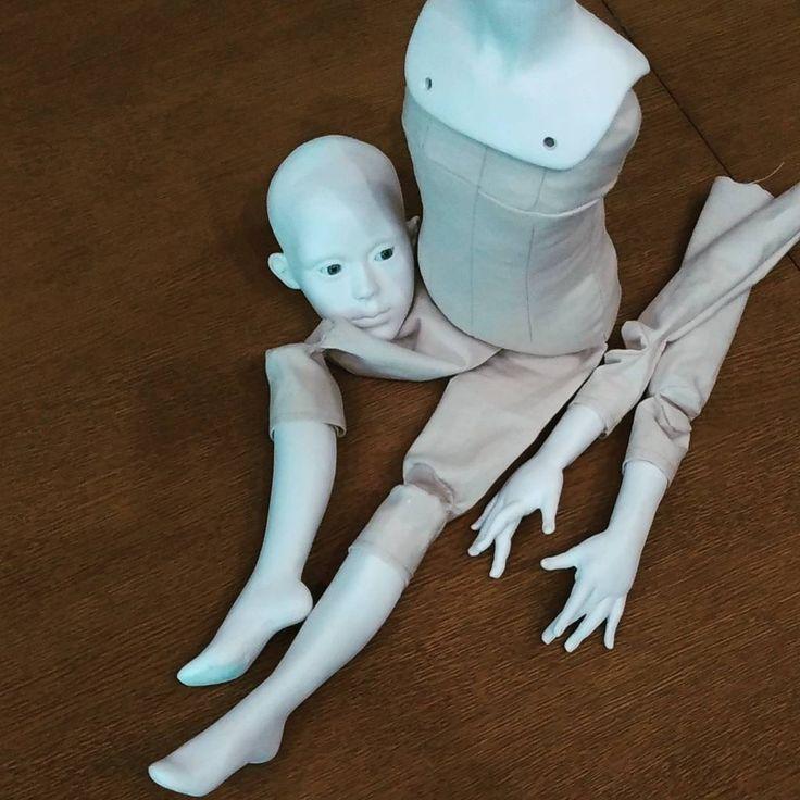 Процесс #тело плотно набито опилками #процесс #process #ручки и #ножки будут набиты шерстью#кукла #doll #dollcollector #dollstagram #polymerclay #sculpting #sculpture #ручнаяработа #handmade #ooak #portrait #collectiondoll #подвижнаякукла #instadoll