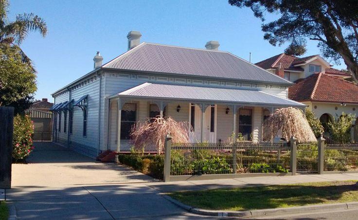 Harkaway homes victorian traditional bentleigh vic the for Victorian traditional homes