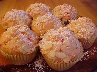 la table en fête: Cupcakes à l'amaretto et aux cerises au marasquin
