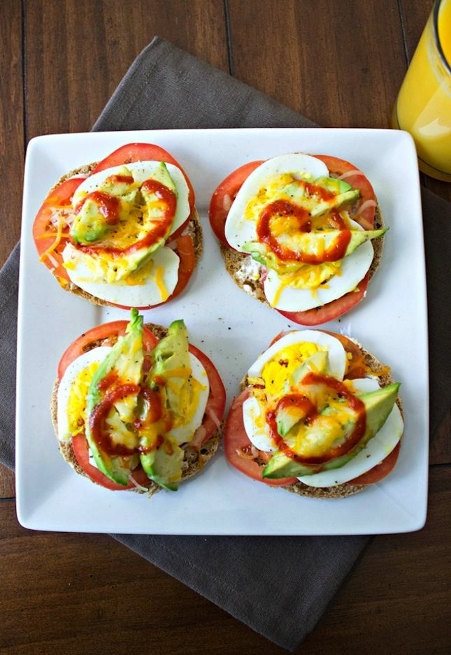 We all know breakfast is the most important meal of the day, but it's also the easiest meal to forget or cheat on. Whether you're rushing to get kids to school or just struggling to get yourself out the door, sometimes cooking a gourmet meal is just not in the cards. We're offering 15 super quick and healthy brekkies that you can make in about the same amount of time it takes to find your keys. From oatmeal to eggs to granola, we've got lots of breakfasts for all your crazy mornings.