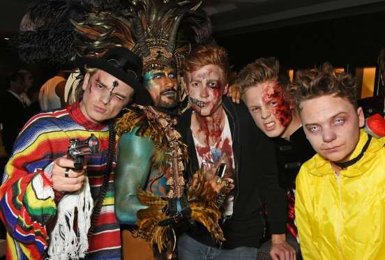 (L to R) Jack Maynard, Azim Majid, guest, Caspar Lee and Conor Maynard attend Hallowzeen at M Restau... - Dave Benett/Getty Images for M Restaurant