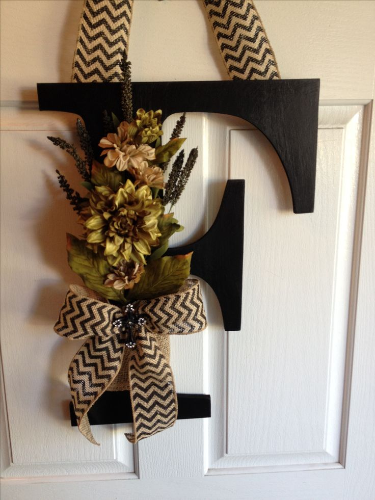 All season F letter decor