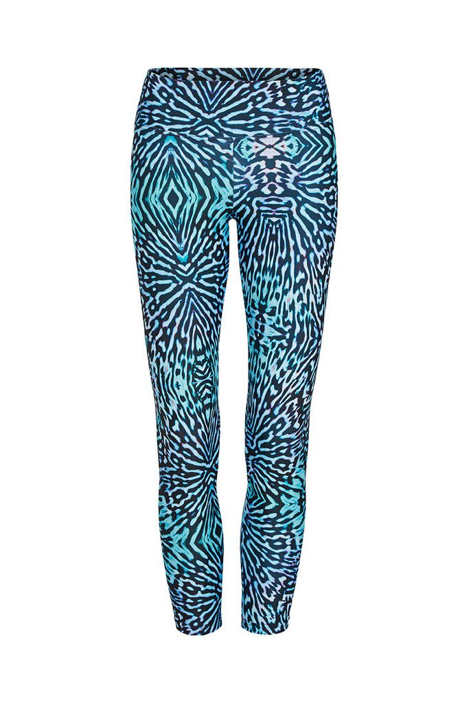 Blue Pansy Butterfly Printed Yoga Legging - 3/4 – Dharma Bums Yoga and Activewear