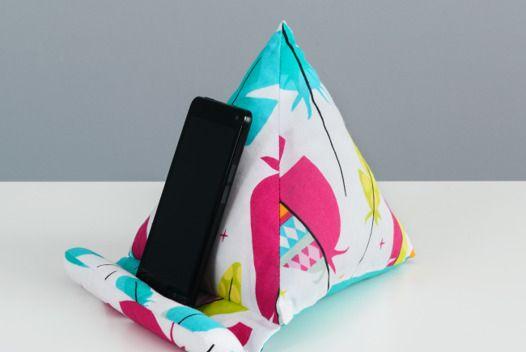 Подставка под телефон или планшет - маленькая