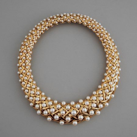 Chanel Paris 18k Gold and Pearl Necklace. ca. 1979/80