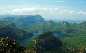 KwaZulu-Natal - Drakensberg Mountains, Battlefields, Wildlife & Coast Fly-Drive Holiday, South Africa