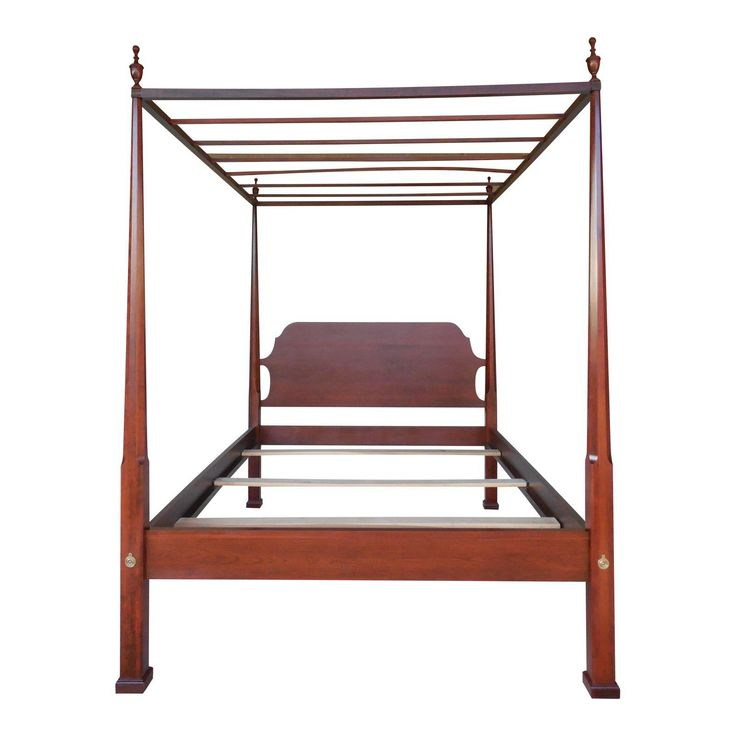COLONIAL FURNITURE CO. Cherry Shaker Style Pencil Poster Tester Queen Bed - Image 1 of 8