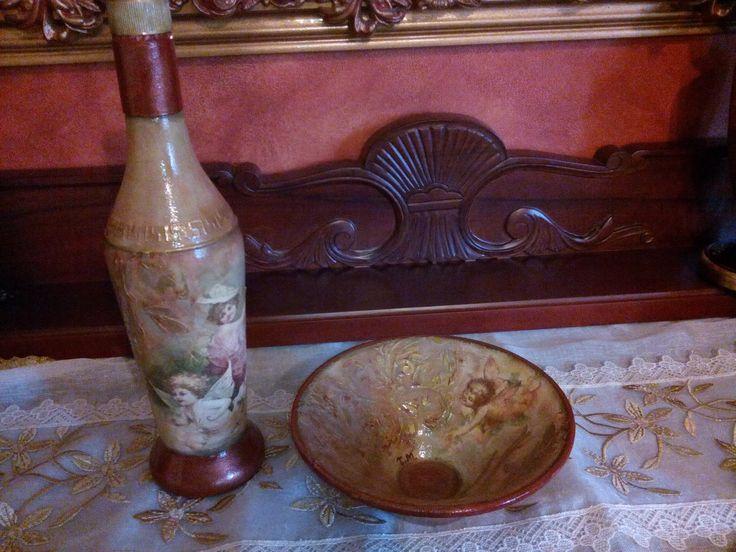 Μπουκάλι  και διακοσμητική κούπα με  ντεκουπάζ και αγγέλους! Bottle and decorative mug with decoupage and angels!