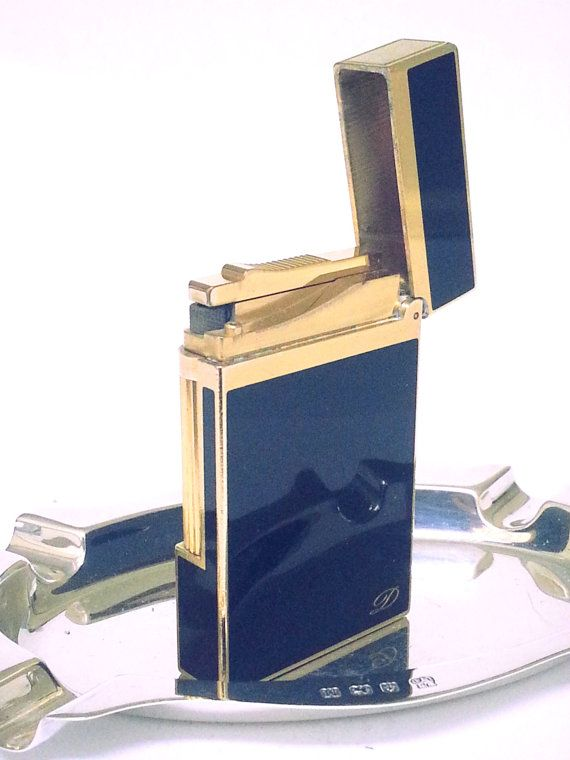 S. T. DUPONT LIGHTER  Classic  18 K Gold & Lacquer de Chine