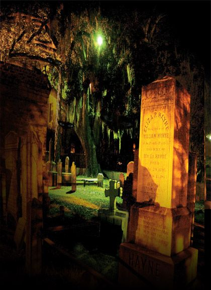 Graveyards and Ghost Walking Tour in Charleston, SC (Bulldog Tours)