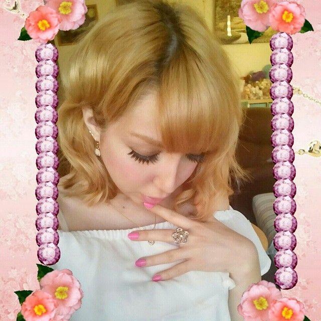 I'm so tired Have a great weekend guys ꒰ღ˘‿˘ற꒱  #gyaru#gaijingyaru #weekend #longday #tired #cute #girly #gal #japanesefashion #gyarustyle #gyarufashion ##gyarumakeup #oneegyaru #onee #palty #paltybleach #eyemazing #falsies #wavyhair #shorthair #shorthaircut #shibuyagals #inspiration #ぎゃる #かわいい #elegent #selfie