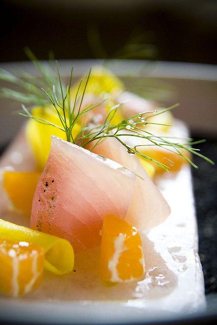 ハマチの造り yellowtail sashimi