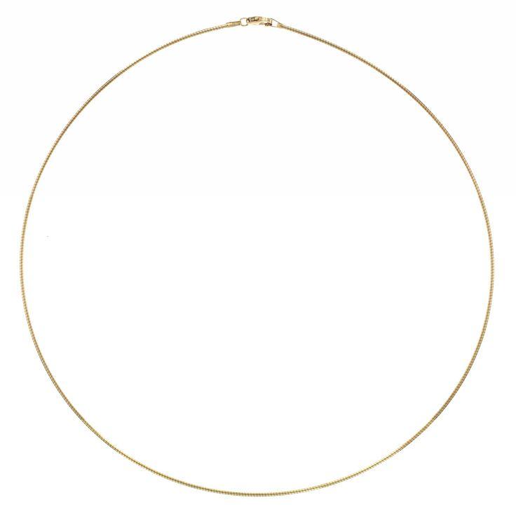 Geelgouden Omegacollier 1.2 mm x 45 cm 203.2001.45. Prachtig 14 karaats gouden Omegacollier van 1,2 mm uit de Gold Collection. Dit kwalitatief hoogwaardige Collier heeft een subtiele karabijnsluiting en heeft een lengte van 45 cm. Tevens verkrijgbaar in 1.0 mm en 1.5mm.