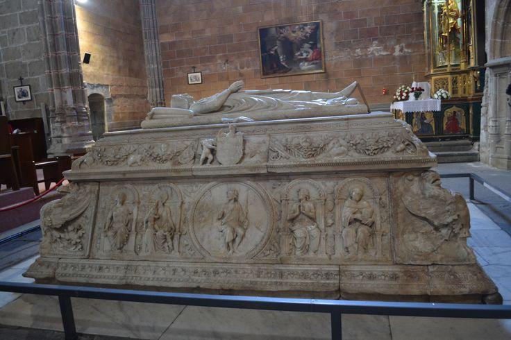 Tumba del Príncipe Jua (único hijo varón de los Reyes Católicos en el Real Monasterio de Santo Tomas de Ávila