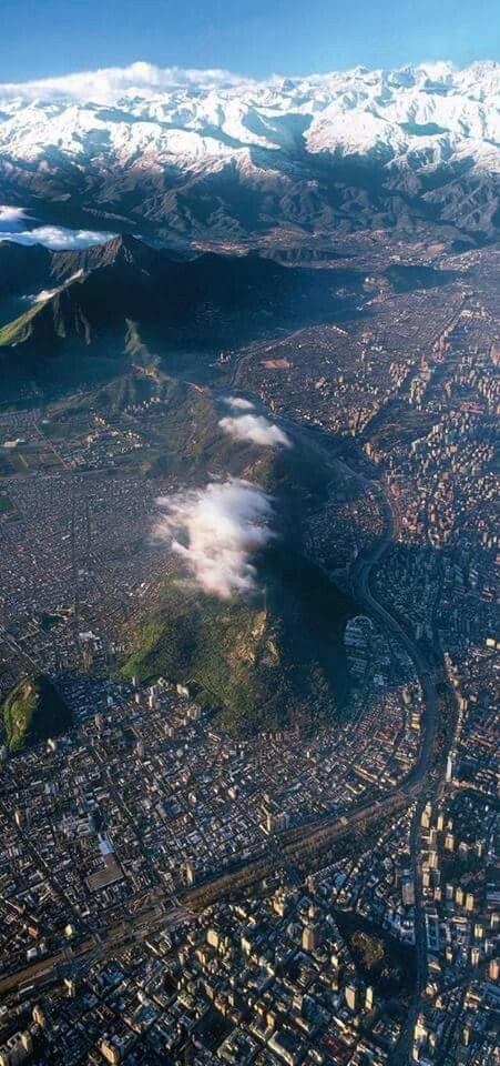Cerro San Cristobal desde las alturas - Alameda . Santiago.