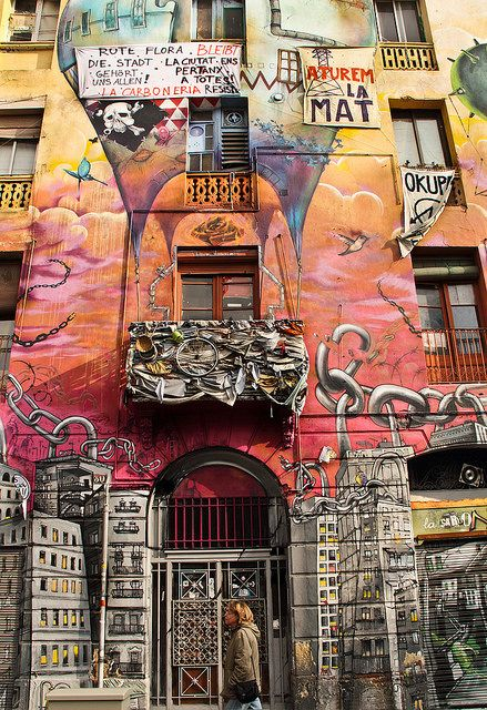 Mural, street art. | La Carboneria okupa , Barcelona Catalonia by La letra calma,
