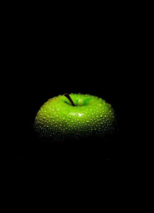 Inspiratie Fotowedstrijd 2017 thema juni: GROEN www.capelle-fotografeert.nl) Green apple.