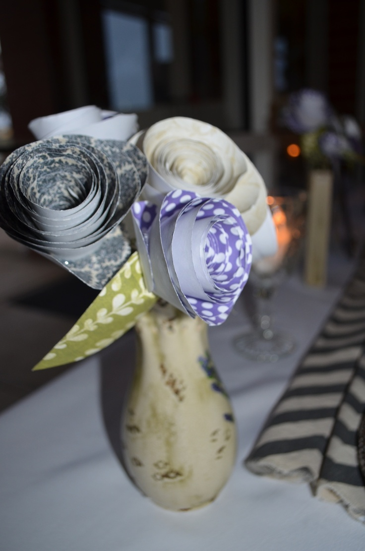 If you're throwing your own rehearsal dinner outside of a restaurant and need decor, save money (that you'll need for the wedding) and use fun paper flowers you can make on your own! #rehearsaldinner