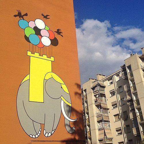 @mirehoracio    Buongiorno a tutti! #Bologna è la città delle torri, ma se in giro vi sembrerà di vederne una in groppa ad un elefante che vola...tranquilli, è la #StreetArt di Honet che colora i palazzi.  #mybologna #twiperbole