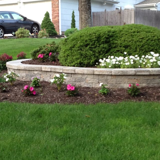 1000+ Ideas About Flag Pole Landscaping On Pinterest