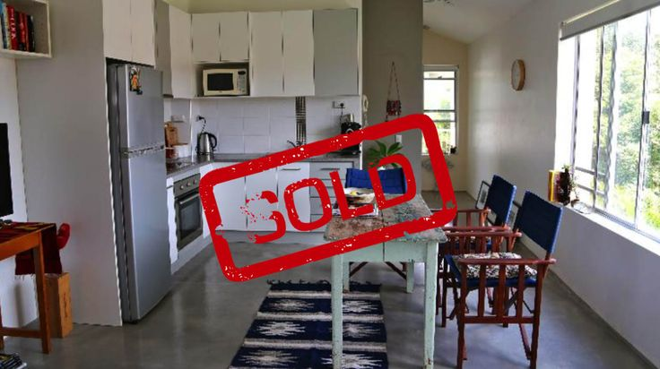 Great way to sell if you don't mind organizing and doing your own inspections.  I thought selling this way was a lot more personal and had lots of interest.    Thanks!  Hollie Palm Beach, QLD 22 July 2014
