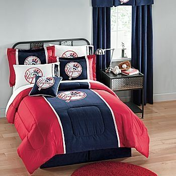 If You Are A New York Yankees Fan This Theme Is All Will Need To Makeover Your Bedroom Bedding Has Teams Colors With Their