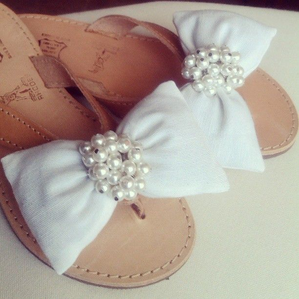 White bow and pearls!