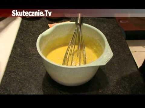 Lekko wilgotne, miękkie, żółciutkie i cytrynowe ciasto pokryte czekoladowym płaszczem...Fajna ta babeczka:) A przy tym szybka i prosta w wykonaniu, i chyba j...