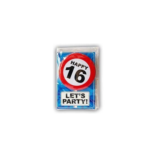 Happy Birthday kaart met button 16 jaar. Leuke verjaardagskaart voor een 16e verjaardag. Met stopbord button die de jarige zelf kan dragen.