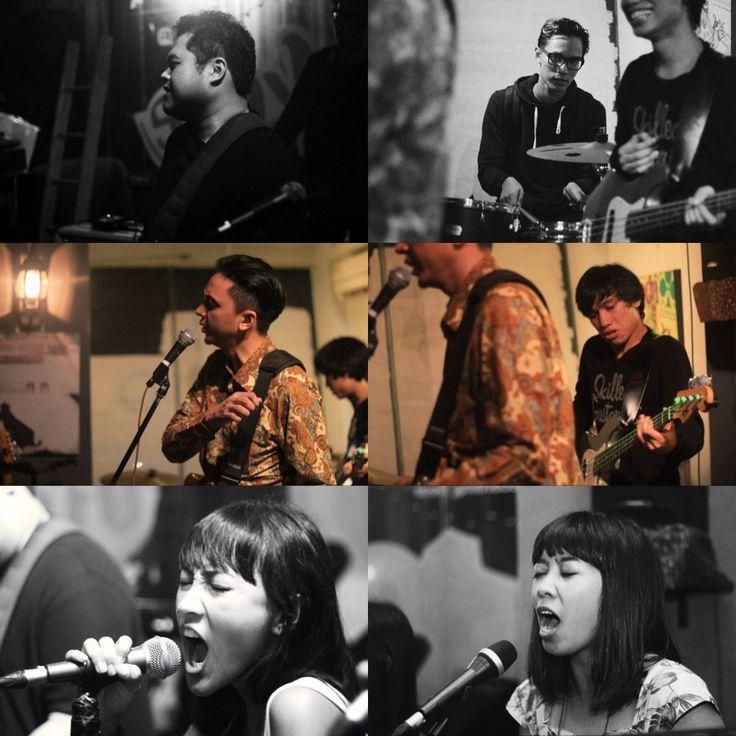 BARASUARA adalah sebuah band yang dibentuk oleh Iga Massardi bersama Marco Steffiano, Tj Kusuma, Gerald Situmorang dan Cabrini Asteriska di tahun 2011. Musik yang mereka mainkan adalah daur ulang dari nafas psychedelic, rock, folk, blues dan jazz dengan lirik Indonesia yang kental. BARASUARA mengedepankan ritme dan energi yang menerjang adrenalin dengan lirik yang bercerita tentang memori, semangat dan kemerdekaan pikiran.
