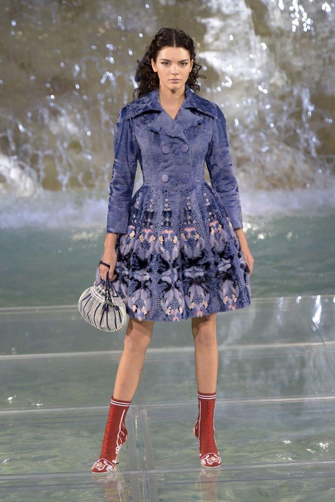 Kendall Jenner Fendi Rome Trevi Fountain