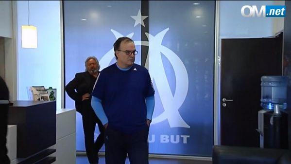 Bielsa pourrait se couper un doigt - http://www.actusports.fr/121847/bielsa-se-couper-doigt/