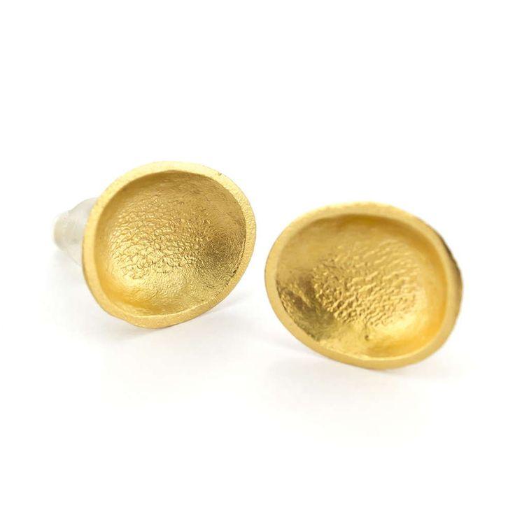 Aros chicos: bronce con baño de oro. - La Joyería