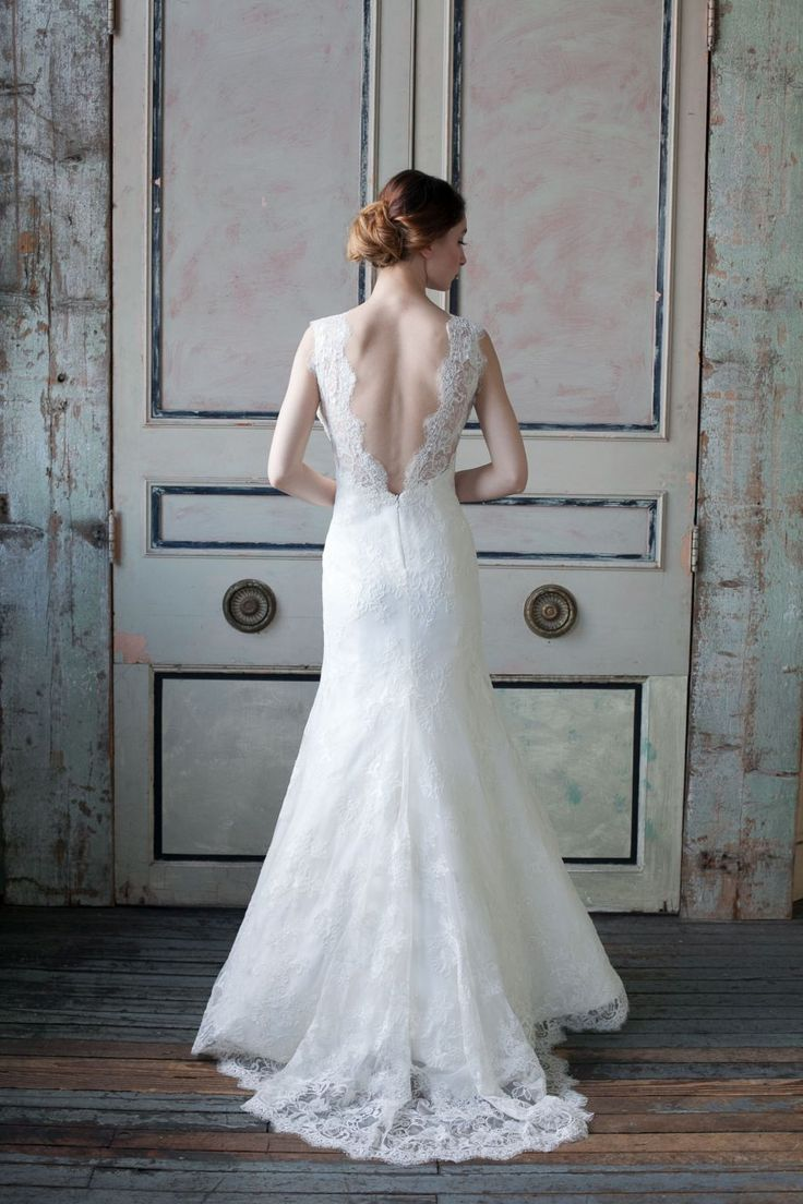 Sareh Nouri lace gown www.theperfectpalette.com - Swoon-Worthy Wedding Gowns