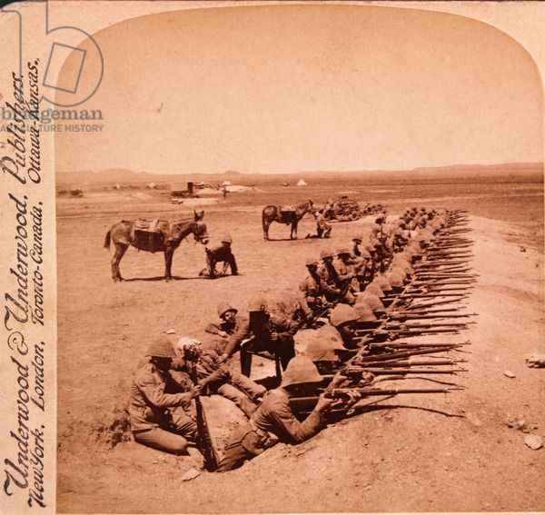 British Soldiers Firing on the Boers from Orange River Trenches, South Africa, Second Boer War, Stereo Albumen Photograph circa 1900 / Private Collection / J. T. Vintage / Bridgeman Images
