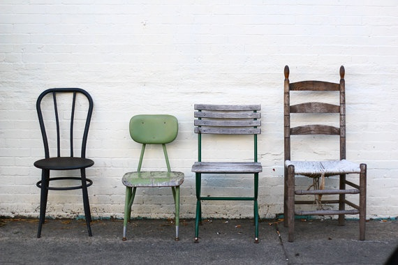 dépareillées: Vintage Chairs, Blank Wall, Kitchens Tables, Art Prints, Love Pictures, Fine Art, Antiques Chairs, Old Chairs, Chairs Photography