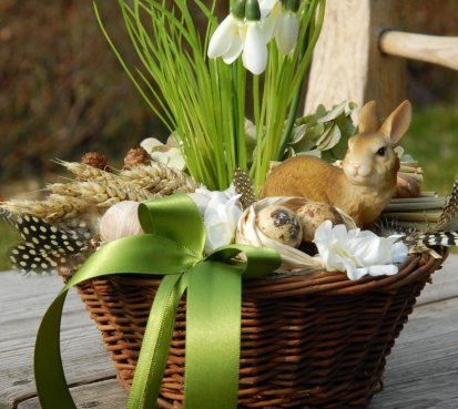 Jarní dekorace se zajíčkem