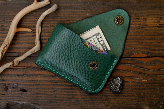 This wallet is made from genuine Italian leather. Genuine Italian leather premium traditional candle Western. The thickness of 2mm. Most natural, soft and pleasant tactile leather. If you like a product but you prefer another color of leather contact me and I will tell you if it is