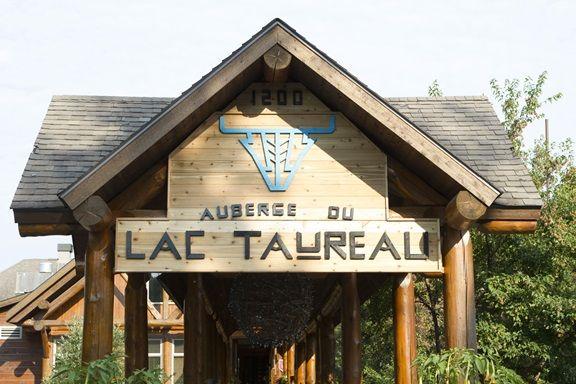 Distinctions et mission - Auberge du Lac Taureau Québec Canada