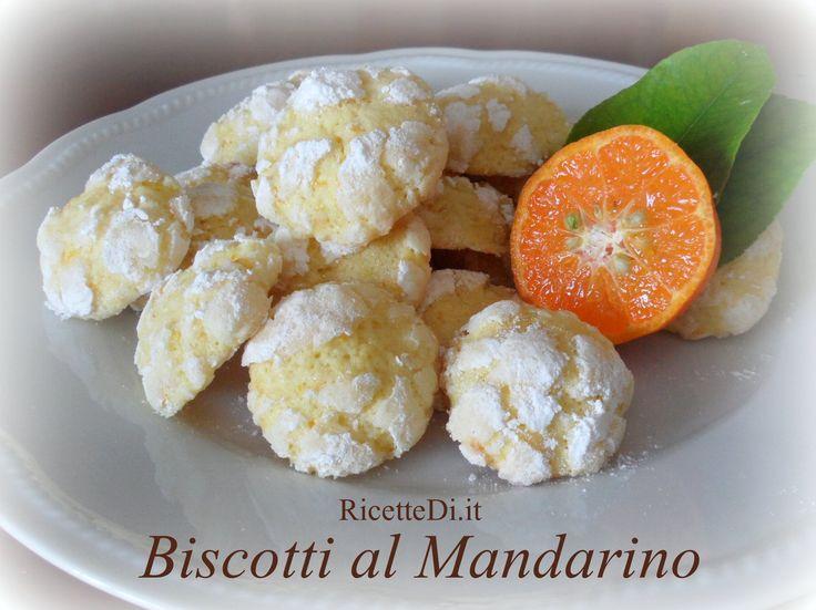 questi biscotti al mandarino sono praticamente identici ai + famosi biscotti al limone. Al posto del succo di limone dovete utilizzare il succo di mandarino