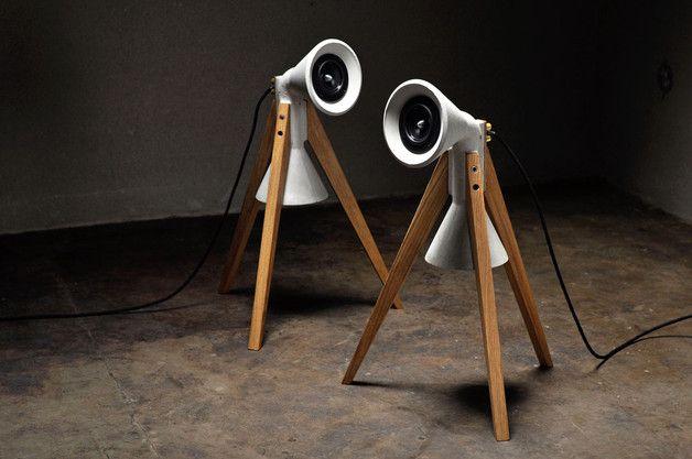 Wer nicht nur dem Schall seiner Lautsprecher lauscht, sondern auch auf einen visuellen Hochgenuss besteht, dabei noch klares und funktionales Design schätzt und eine Vorliebe für die Kombination...