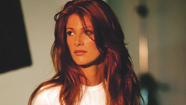 Angie Everhart – Kingdom Magazine