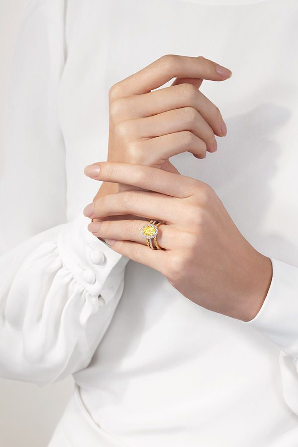 Explore peerlessly beautiful diamond engagement rings and wondrous bridal jewellery designs with De Beers; the home of diamonds since 1888