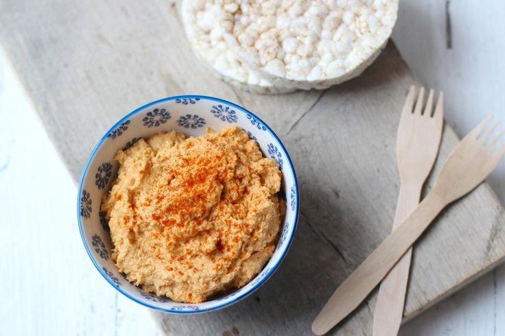 De laatste jaren is hummus heel populair geworden in Nederland. Ben je benieuwd hoe zelf hummus kunt maken, kijk dan gauw verder!