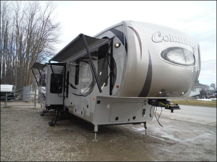 d9b28ad60ed28c05557aae5c7633a43f best 25 fifth wheel trailers ideas on pinterest toy hauler rv  at readyjetset.co