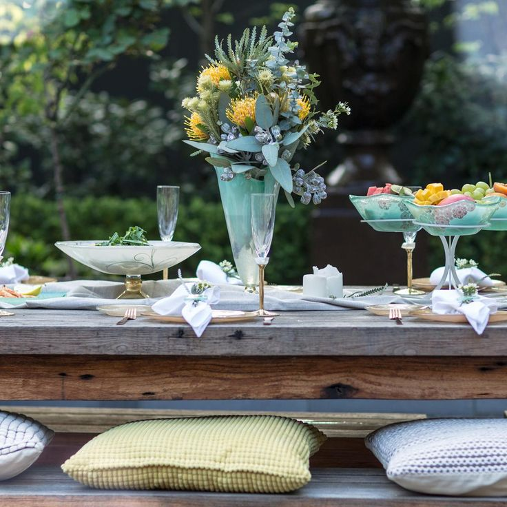 Magnificent tablescapes using designer tableware in mint green and gold